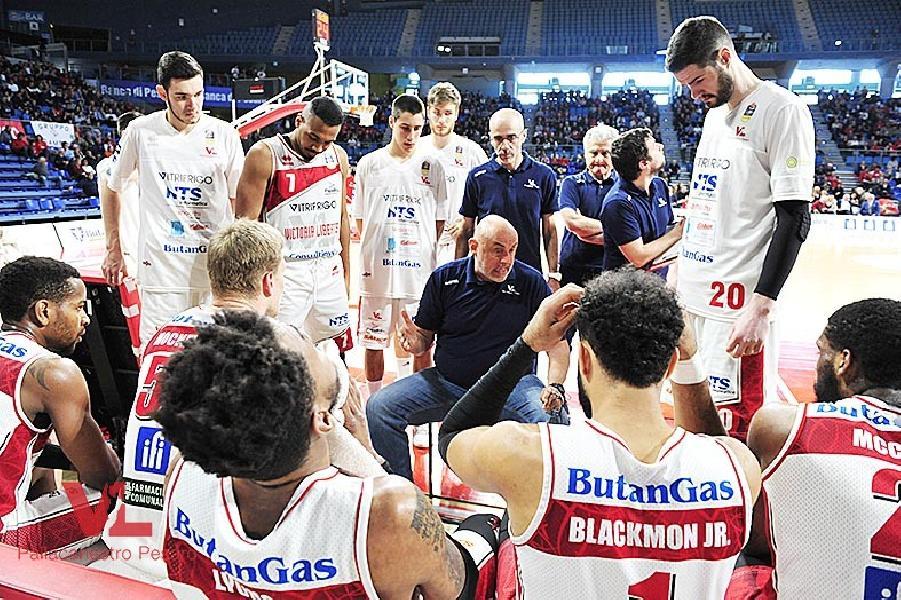 https://www.basketmarche.it/immagini_articoli/12-04-2019/vuelle-pesaro-coach-calbini-trento-dovremo-giocare-equilibrio-aggressivit-600.jpg