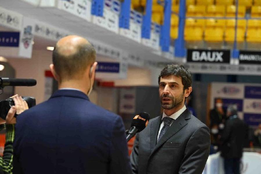 https://www.basketmarche.it/immagini_articoli/12-04-2021/brindisi-alberto-morea-squadra-stata-superlativa-siamo-regalati-questa-gioia-merito-coach-vitucci-600.jpg