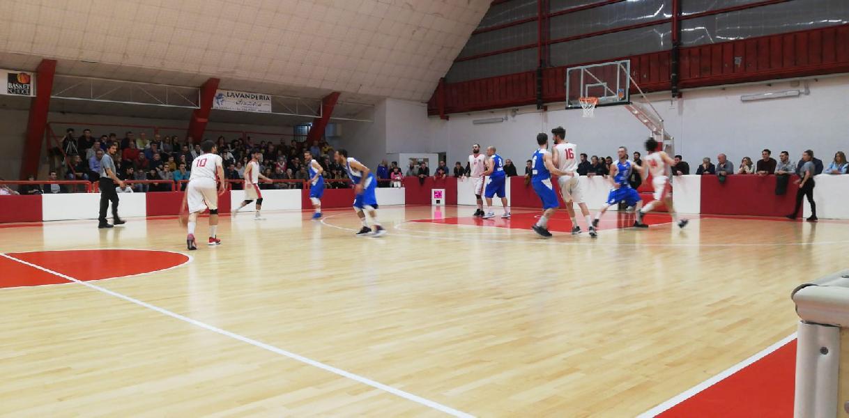 https://www.basketmarche.it/immagini_articoli/12-05-2019/regionale-playoff-finisce-montemarciano-stagione-basket-maceratese-600.jpg