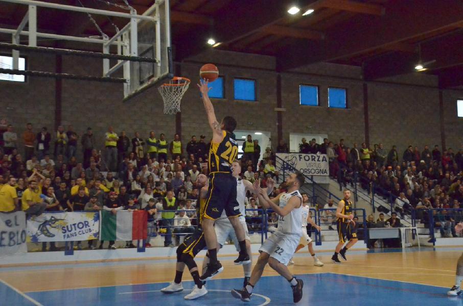 https://www.basketmarche.it/immagini_articoli/12-05-2019/serie-gold-playoff-sutor-montegranaro-eroica-sbanca-lanciano-vola-finale-600.jpg