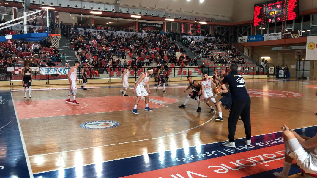 https://www.basketmarche.it/immagini_articoli/12-05-2019/serie-silver-playoff-live-vasto-basket-finale-recanati-600.jpg