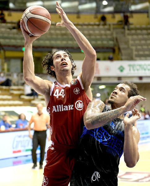 https://www.basketmarche.it/immagini_articoli/12-05-2021/pallacanestro-brescia-valuta-interessata-piccola-davide-alviti-600.jpg