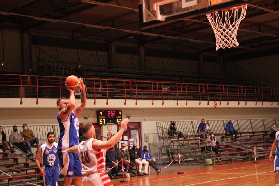 https://www.basketmarche.it/immagini_articoli/12-05-2021/porto-sant-elpidio-basket-espugna-campo-basket-tolentino-rimane-imbattuto-600.jpg