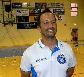 https://www.basketmarche.it/immagini_articoli/12-06-2018/serie-a2-femminile-nicola-scalabroni-è-il-nuovo-allenatore-della-feba-civitanova-270.jpg