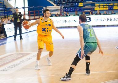https://www.basketmarche.it/immagini_articoli/12-06-2018/serie-a2-poderosa-montegranaro-lorenzo-maspero-a-caccia-di-un-posto-per-gli-europei-under-20-270.jpg