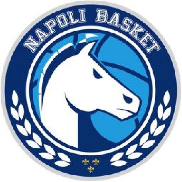 https://www.basketmarche.it/immagini_articoli/12-06-2021/playoff-napoli-basket-espugna-campo-kleb-basket-ferrara-vola-finale-600.jpg