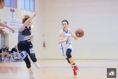 https://www.basketmarche.it/immagini_articoli/12-07-2018/serie-a2-femminile-la-feba-civitanova-conferma-il-capitano-veronica-perini-270.jpg