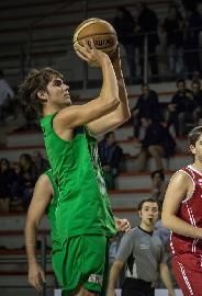 https://www.basketmarche.it/immagini_articoli/12-07-2018/serie-b-nazionale-il-campetto-ancona-saluta-edoardo-centanni-270.jpg