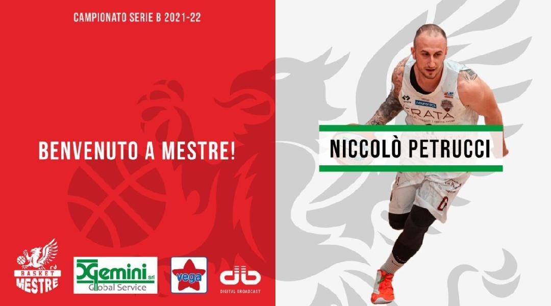 https://www.basketmarche.it/immagini_articoli/12-07-2021/ufficiale-janus-fabriano-niccol-petrucci-firma-basket-mestre-600.jpg