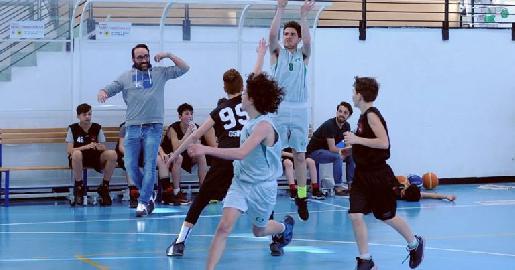 https://www.basketmarche.it/immagini_articoli/12-08-2018/giovanili-il-cab-stamura-ancona-a-inserisce-coach-simone-salomoni-nello-staff-tecnico-270.jpg