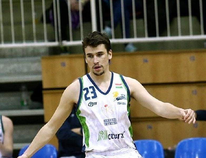 https://www.basketmarche.it/immagini_articoli/12-08-2019/inizia-botto-mercato-pescara-basket-ufficiale-larrivo-slovacco-davorin-kuntic-600.jpg