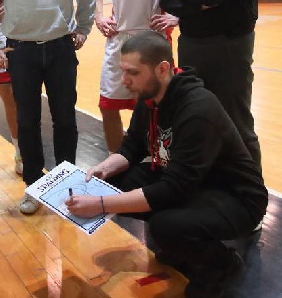 https://www.basketmarche.it/immagini_articoli/12-08-2020/ufficiale-perugia-basket-riparte-serie-silver-alessandro-vispa-allenatore-600.jpg
