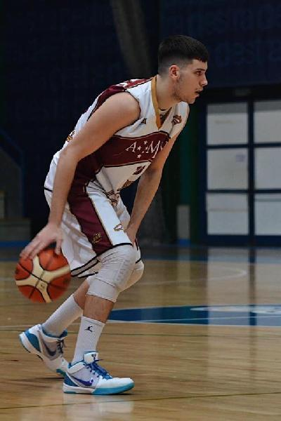 https://www.basketmarche.it/immagini_articoli/12-08-2021/muove-basket-gualdo-definite-conferma-coach-luca-paleco-ritorno-samuele-gramaccia-600.jpg