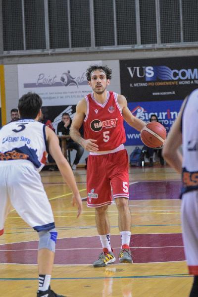 https://www.basketmarche.it/immagini_articoli/12-08-2021/porto-sant-elpidio-basket-esterni-piace-matelica-lorenzo-monacelli-600.jpg