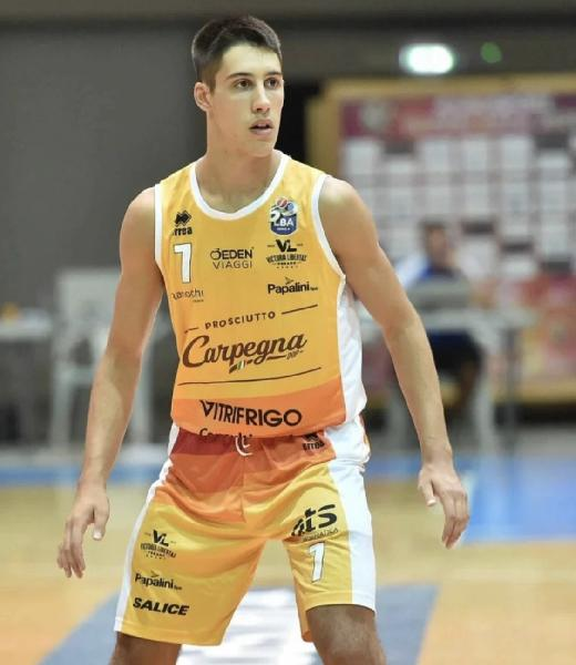 https://www.basketmarche.it/immagini_articoli/12-08-2021/ufficiale-lorenzo-calbini-giocatore-pallacanestro-senigallia-600.jpg