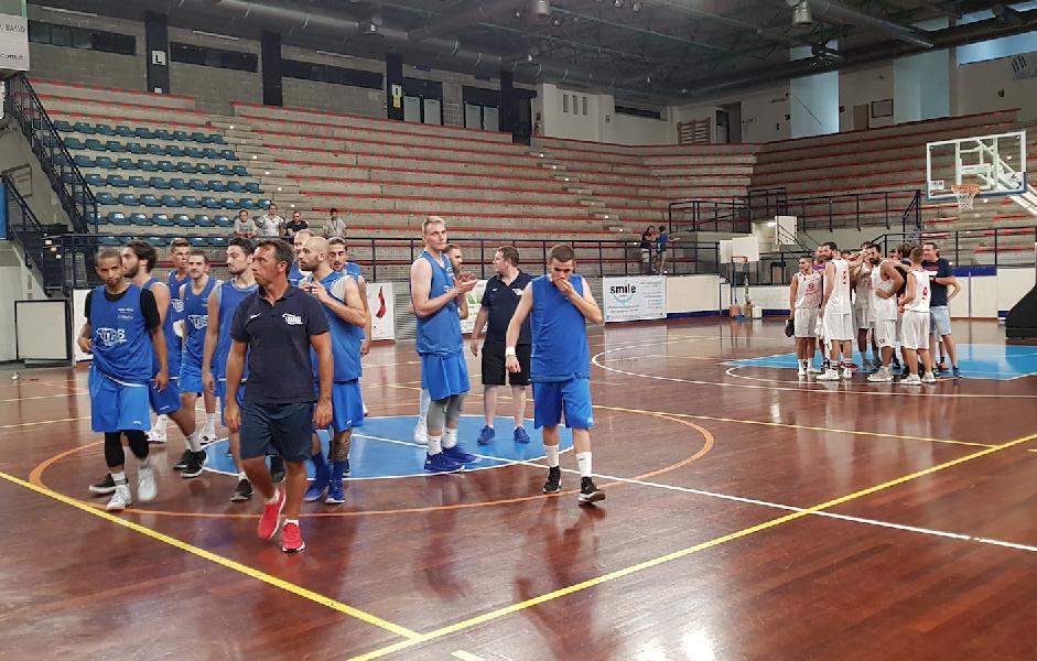 https://www.basketmarche.it/immagini_articoli/12-09-2018/serie-gold-foligno-supera-basket-tolentino-buone-indicazioni-coach-andrea-sansone-600.png