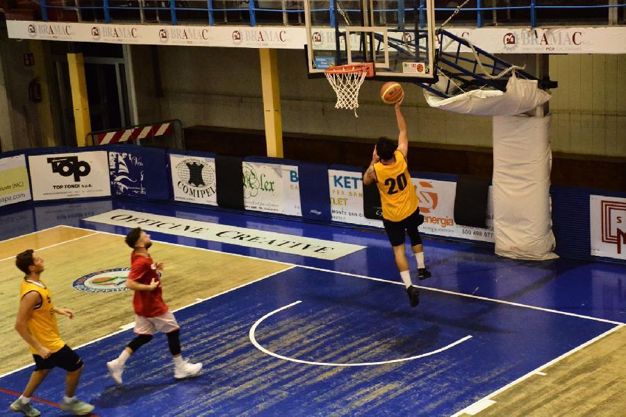 https://www.basketmarche.it/immagini_articoli/12-09-2018/serie-gold-sutor-montegranaro-supera-vigor-matelica-amichevole-600.jpg
