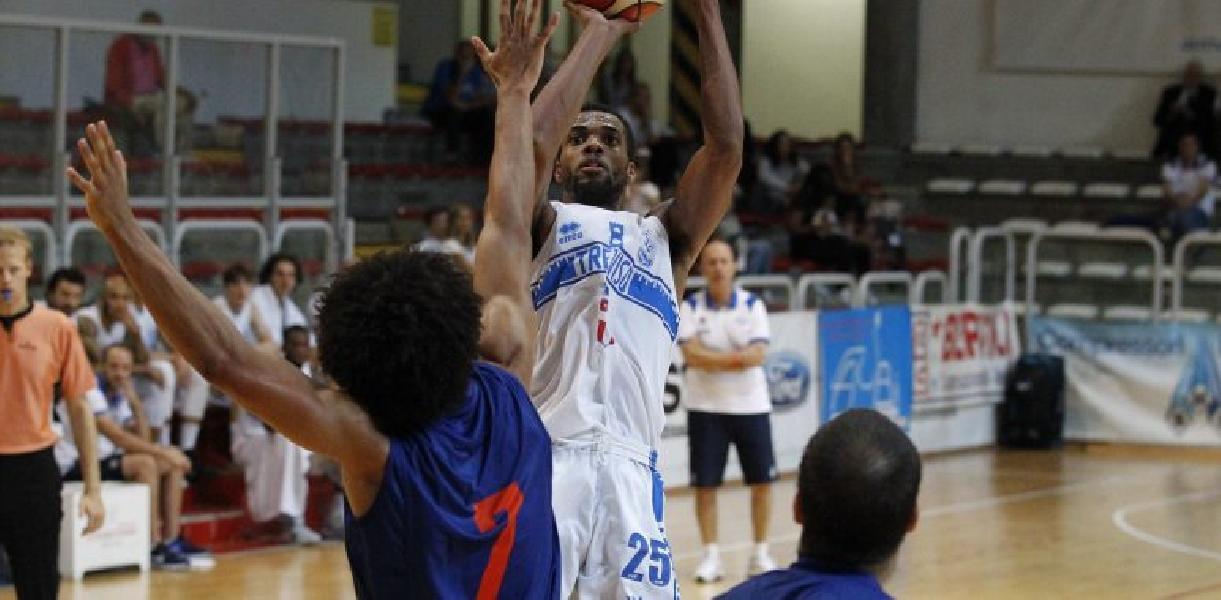 https://www.basketmarche.it/immagini_articoli/12-09-2019/longhi-treviso-sfida-virtus-bologna-torneo-jesolo-recupera-nikolic-parks-600.jpg