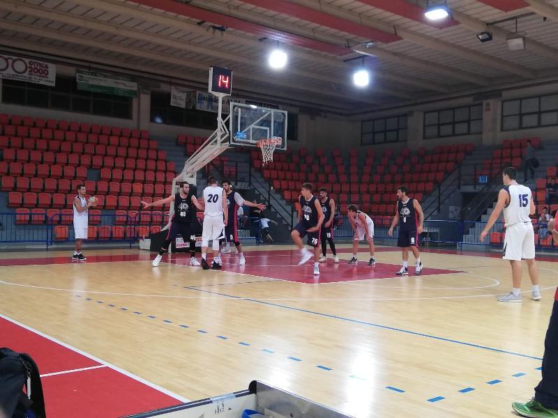 https://www.basketmarche.it/immagini_articoli/12-09-2019/ottimo-bramante-pesaro-passa-campo-pallacanestro-senigallia-600.jpg