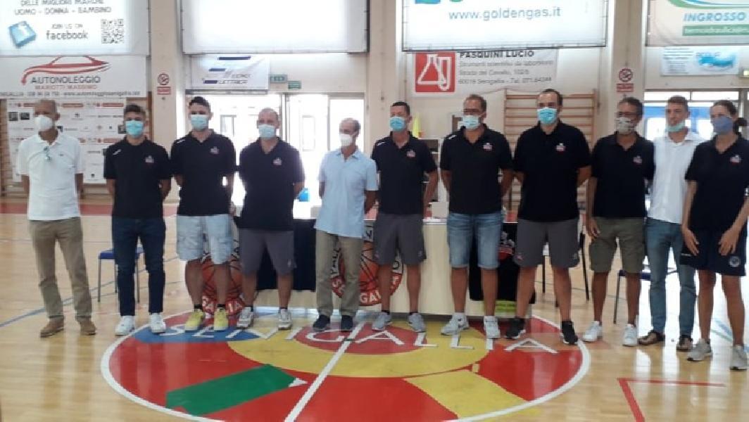 https://www.basketmarche.it/immagini_articoli/12-09-2020/pallacanestro-senigallia-presentato-ufficialmente-proprio-staff-tecnico-dirigenziale-600.jpg