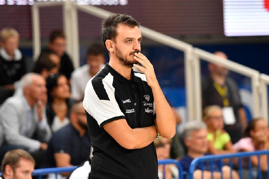 https://www.basketmarche.it/immagini_articoli/12-09-2020/trento-coach-brienza-vittoria-trieste-passo-avanti-nostro-percorso-600.jpg