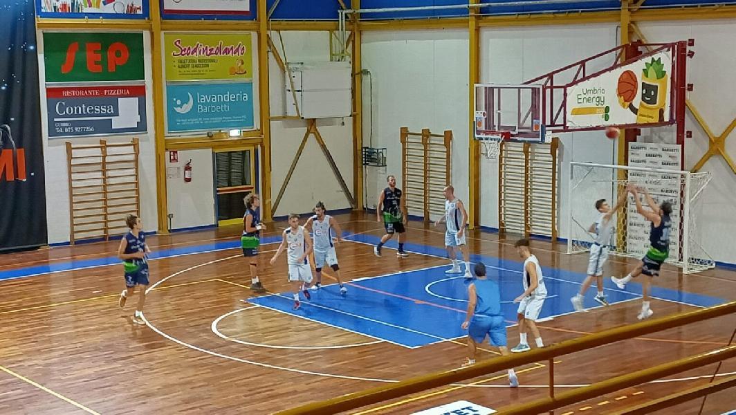 https://www.basketmarche.it/immagini_articoli/12-09-2021/lucky-wind-foligno-buono-primo-test-amichevole-basket-gubbio-600.jpg