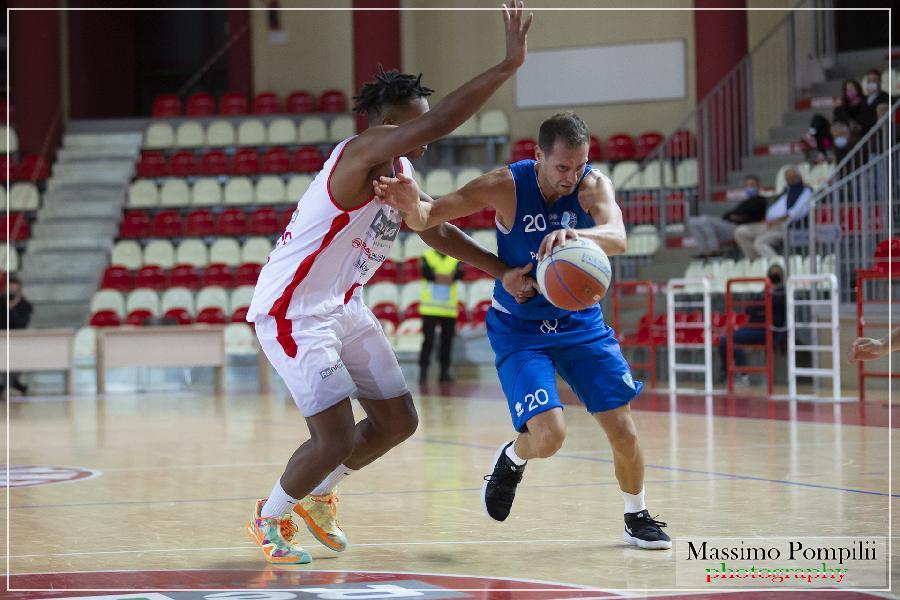 https://www.basketmarche.it/immagini_articoli/12-09-2021/teramo-spicchi-coach-salvemini-derby-roseto-tappa-importante-avvicinamento-campionato-600.jpg