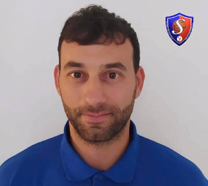 https://www.basketmarche.it/immagini_articoli/12-09-2021/ufficiale-riccardo-angilla-entra-staff-tecnico-sporting-porto-sant-elpidio-600.jpg