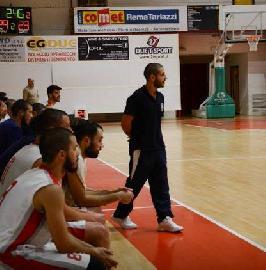 https://www.basketmarche.it/immagini_articoli/12-10-2017/d-regionale-il-basket-maceratese-atteso-dalla-trasferta-sul-campo-dei-fochi-morrovalle-270.jpg