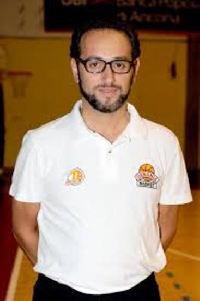 https://www.basketmarche.it/immagini_articoli/12-10-2018/coach-alberto-amato-presenta-gara-esordio-pallacanestro-senigallia-pesaro-600.jpg