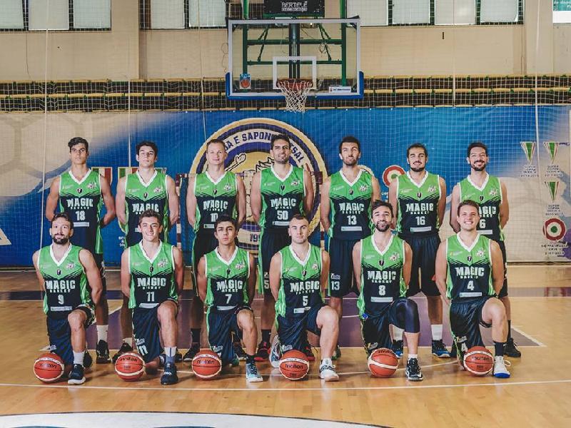 https://www.basketmarche.it/immagini_articoli/12-10-2018/magic-basket-chieti-coach-castorina-osimo-grande-squadra-pronti-lottare-600.jpg