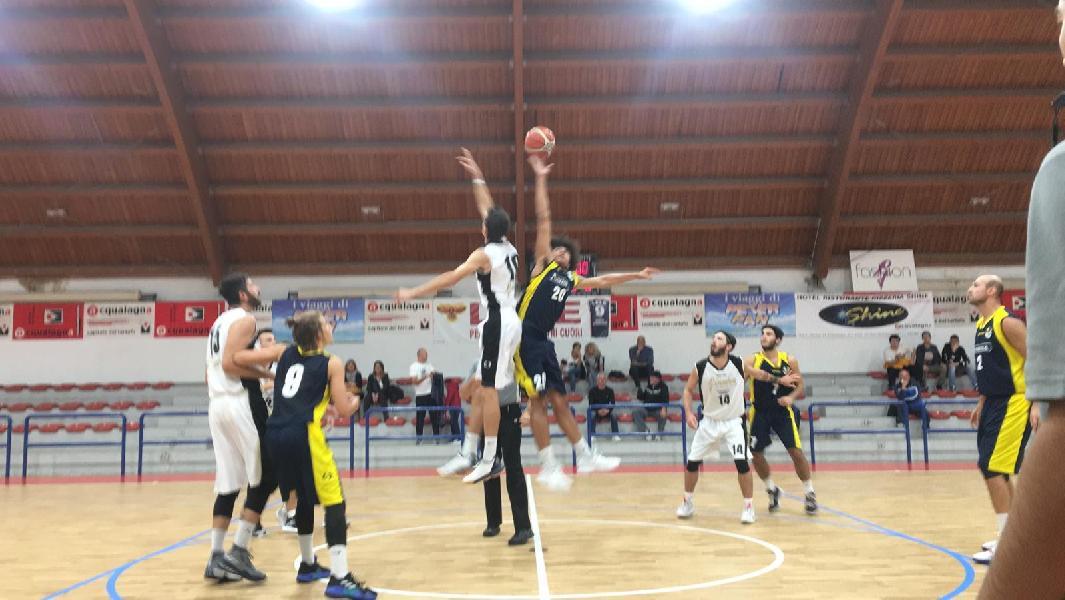 https://www.basketmarche.it/immagini_articoli/12-10-2019/pallacanestro-acqualagna-supera-loreto-pesaro-conquista-prima-vittoria-stagionale-600.jpg