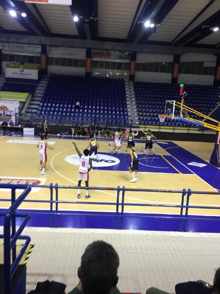 https://www.basketmarche.it/immagini_articoli/12-10-2019/pallacanestro-recanati-espugna-nettamente-campo-chem-virtus-porto-giorgio-600.jpg