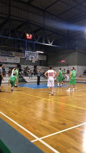 https://www.basketmarche.it/immagini_articoli/12-10-2019/vigor-matelica-supera-fochi-pollenza-gara-esordio-600.jpg