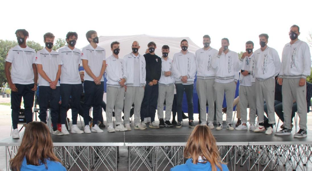 https://www.basketmarche.it/immagini_articoli/12-10-2020/varco-mare-presentazione-congiunta-realt-pallacanestro-civitanovese-600.jpg