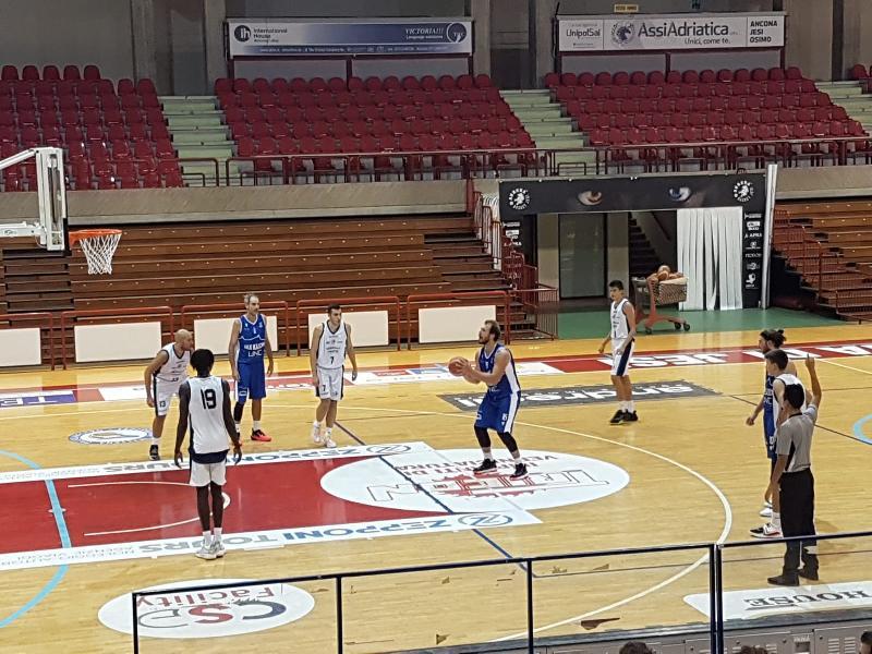 https://www.basketmarche.it/immagini_articoli/12-10-2021/aurora-jesi-coach-francioni-siamo-stati-bravi-mollare-600.jpg