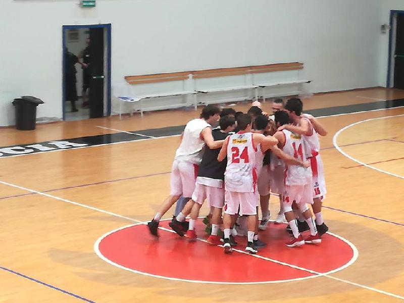 https://www.basketmarche.it/immagini_articoli/12-11-2018/perugia-basket-sblocca-vince-derby-capolista-valdiceppo-600.jpg