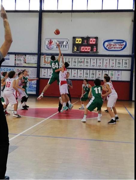 https://www.basketmarche.it/immagini_articoli/12-11-2018/stamura-ancona-passa-campo-pontevecchio-basket-600.jpg