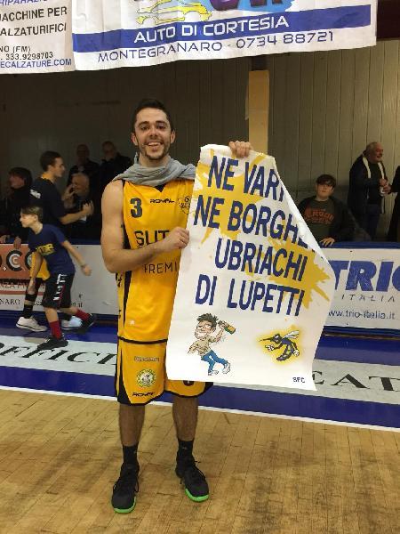 https://www.basketmarche.it/immagini_articoli/12-11-2018/sutor-montegranaro-centra-tris-foligno-decide-tripla-luca-rossi-600.jpg