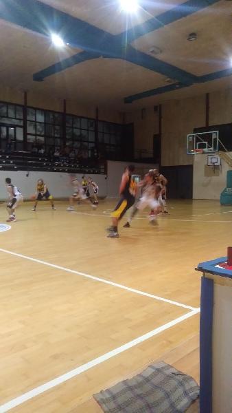 https://www.basketmarche.it/immagini_articoli/12-11-2018/victoria-fermo-mani-vuote-trasferta-ascoli-600.jpg