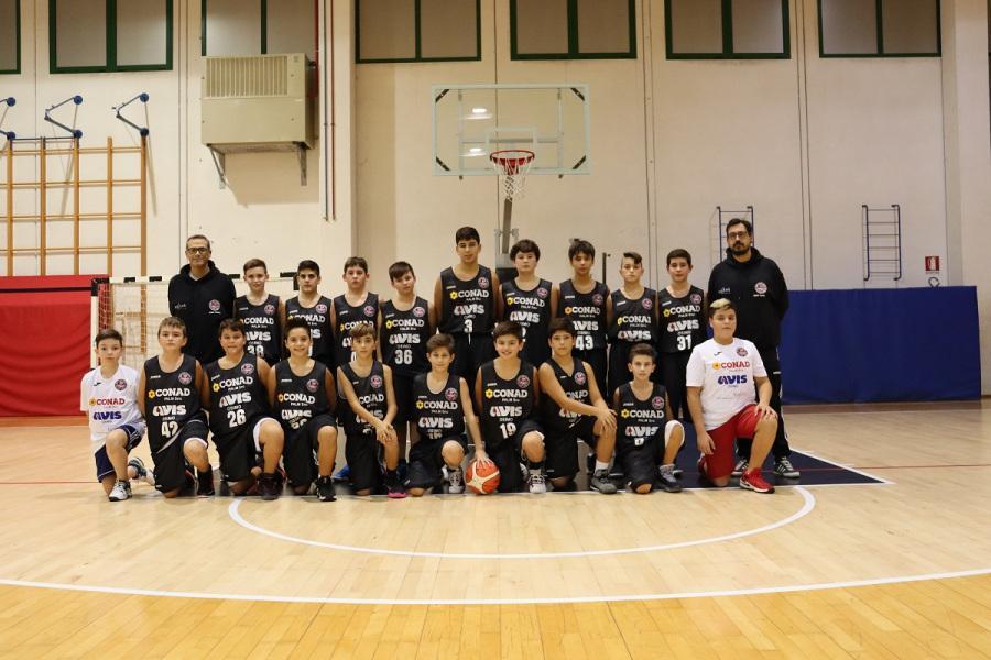 https://www.basketmarche.it/immagini_articoli/12-12-2019/robur-family-osimo-prosegue-pieno-ritmo-suoi-campionati-giovanili-600.jpg