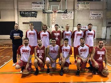 https://www.basketmarche.it/immagini_articoli/13-01-2018/promozione-b-la-don-leone-ricci-chiaravalle-supera-nettamente-la-maior-senigallia-270.jpg