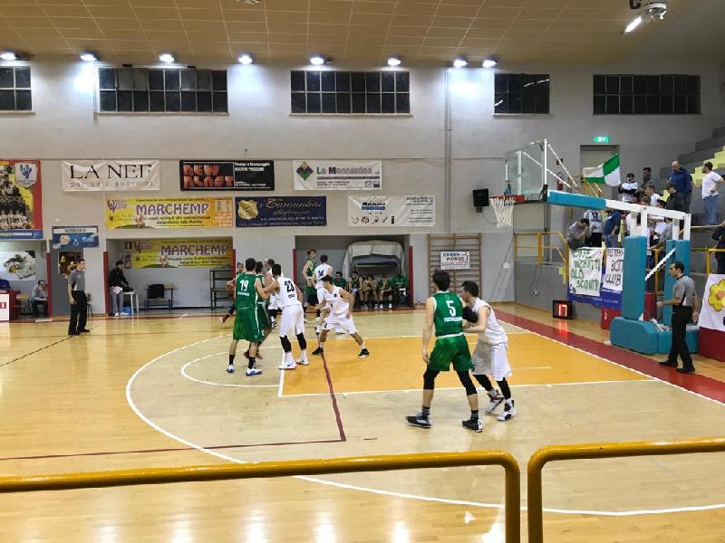 https://www.basketmarche.it/immagini_articoli/13-01-2019/convincente-vittoria-robur-osimo-basket-fossombrone-600.jpg