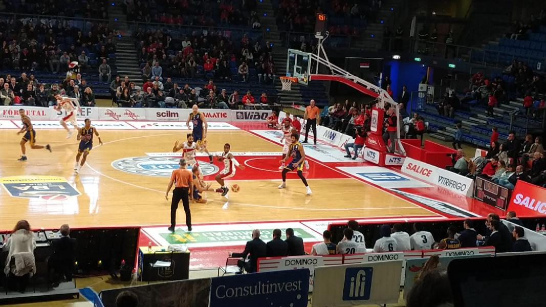 https://www.basketmarche.it/immagini_articoli/13-01-2019/vuelle-pesaro-sorridere-torino-battuta-dopo-overtime-prima-boniciolli-600.jpg