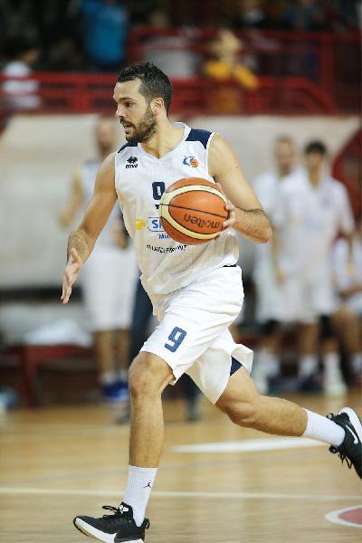 https://www.basketmarche.it/immagini_articoli/13-01-2020/valdiceppo-basket-allunga-momento-positivo-punti-falconara-600.jpg