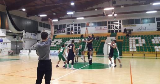 https://www.basketmarche.it/immagini_articoli/13-02-2018/under-20-regionale-netta-vittoria-per-il-cab-stamura-ancona-a-porto-sant-elpidio-270.jpg
