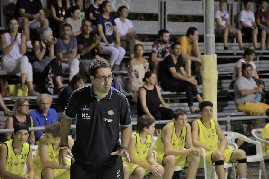 https://www.basketmarche.it/immagini_articoli/13-02-2019/cambia-guida-tecnica-victoria-fermo-allenatore-francesco-pasquali-600.jpg