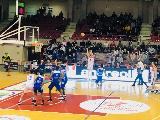 https://www.basketmarche.it/immagini_articoli/13-02-2019/pesante-sconfitta-interna-aurora-jesi-roseto-sharks-pierich-decisivo-120.jpg