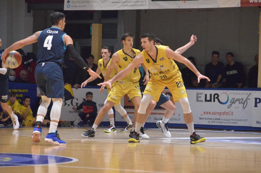 https://www.basketmarche.it/immagini_articoli/13-02-2020/sutor-montegranaro-alessandro-panzieri-chieti-dura-vogliamo-punti-600.jpg