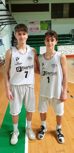 https://www.basketmarche.it/immagini_articoli/13-03-2019/metauro-basket-academy-supera-robur-family-osimo-santi-barzotti-protagonisti-600.jpg